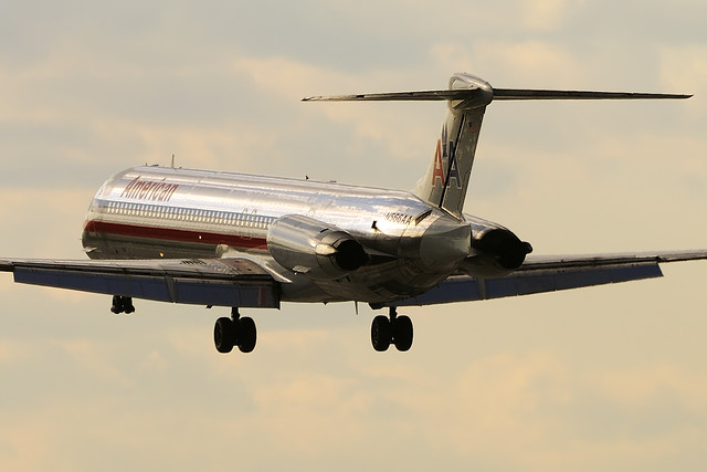 American Airlines McDonnell Douglas MD-83 (DC-9-83) (N566AA)