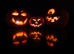 Halloween Family (Mal 1005) Tags: halloween delete10 delete9 pumpkin delete5 delete2 scary candle faces delete6 delete7 pumpkins families save3 delete8 delete3 delete delete4 save save2 save4 save5 deletedbythehotboxuncensoredgroup casndle