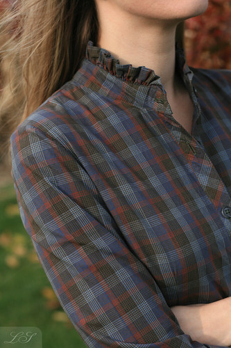 """Back to School"" shirtdress collar closeup"