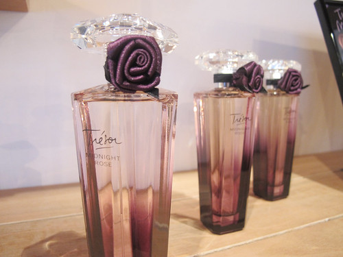 Singapore Lifestyle Blog, nadnut, Lancome Trésor Midnight Rose, Trésor Midnight Rose, Perfumes, Trésor Midnight Rose contest, contests, giveaways, Lancome, life and fun