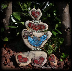 """Love a Bird"" Mosaic Rock Totem (Chris Emmert) Tags: blue chris red black bird love rock stone gold beads heart mixedmedia mosaics totem iridescent ballchain emmert temperedglass gardenstones flickrmosaicartists chrisemmert loveabird chrisemmertcom"