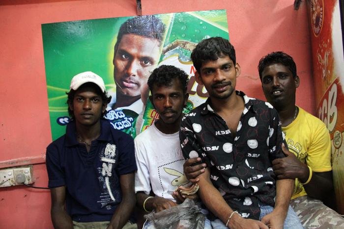 Hole in the Wall Tea Stall, Colombo, Sri Lanka