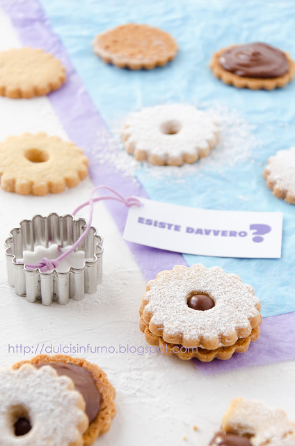 Biscotti Ripieni di Philadelphia con Milka- Biscuits with Philadelphia with Milka Filling