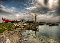 zmir Kayklar (Nejdet Duzen) Tags: trip travel sunset sea cloud reflection turkey boat trkiye shelter deniz sandal izmir bulut gnbatm yansma turkei seyahat barnak inciralt saariysqualitypictures mygearandme ringexcellence
