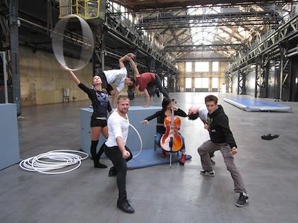 Urbanatix Spinning around (2011): Szene vom Pressetermin (420 px)