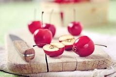 Pomme-cerises (sylvieaa) Tags: fruits cerise pomme