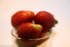 sttil01-18 (Patricia Barcelos) Tags: frutas still sexo morango pimenta sensualidade imaginao calcinha sexualidade afrodisiaco patriciabarcelos patbarcelos patfotgrafa