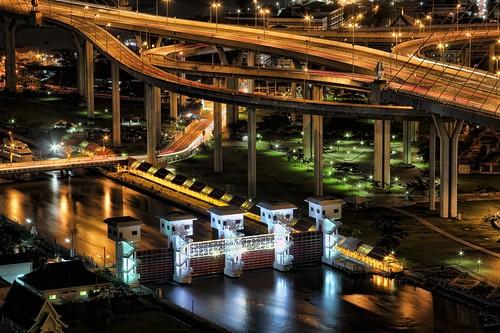 Klong Lad Pho Sluice Gate @ Mega Bridge | Bangkok by I Prahin | www.southeastasia-images.com