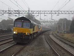 Colas Rail 66744 & 390055 @ Rugeley Trent Valley (Sim0nTrains Photos) Tags: rugeleytrentvalley colasrail class66 66744 westcoastmainline class390 390055 gbrailfreight wcml wcmltrentvalley