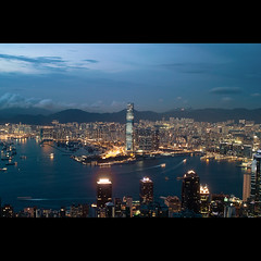 (jim_213) Tags: city light buildings hongkong ship sigma nightview icc victoriaharbour dp2