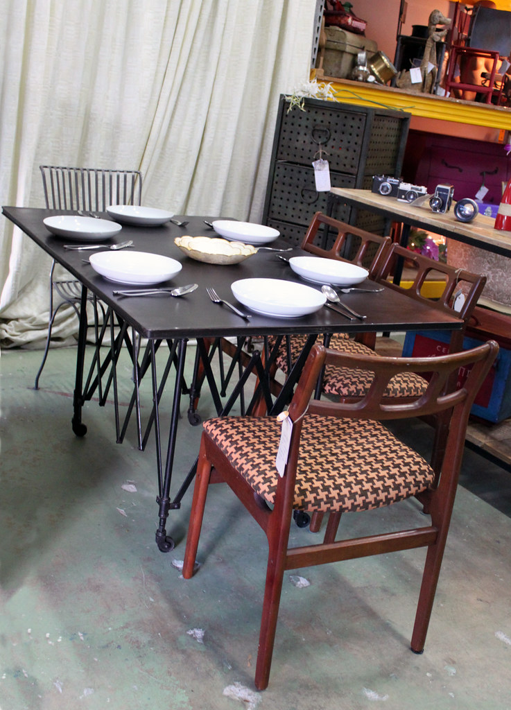 Metal top dining table metal top 60 inch round dining - Table pliante metal ...