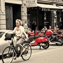 Glockenbachviertel (karel eissner*) Tags: street red urban cars coffee café bike shop vespa neighborhood autos nachbarschaft roten strase