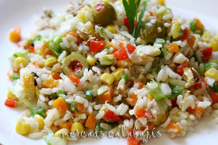Ensalada de arroz con perdiz escabechada mango y - Como cocinar las alubias ...