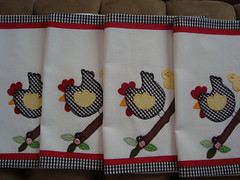 Jogo Americano Galinha. (romelia.artesanatos) Tags: galinha artesanato patchwork aplique romelia montealto jogoamericano romélia romeliaartesanato