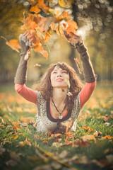 (mblsha) Tags: autumn girl smile leaves explore flare strobism helios40 tr331 t1r1