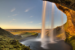 Seljalandsfoss (richietown) Tags: longexposure canon waterfall iceland tour south tripod topf300 7d topv11111 topf150 topf100 topf250 topf200 seljalandsfoss sigma1020mm topf400 ndfilter richietown