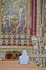 Praying (Bionda.romberg) Tags: italy holiday rome roma church canon europa europe tour praying reis nun journey non italie reizen 400d rondreizen