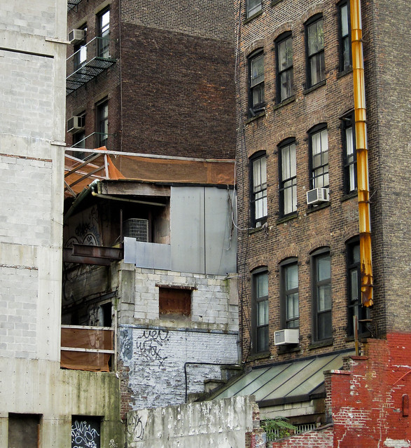 """New York • <a style=""""font-size:0.8em;"""" href=""""http://www.flickr.com/photos/32810496@N04/6272146244/"""" target=""""_blank"""">View on Flickr</a>"""