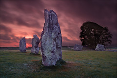 Avebury, Wiltshire (Phil Selby) Tags: sunrise dawn wiltshire prehistoric avebury neolithic stonecircle