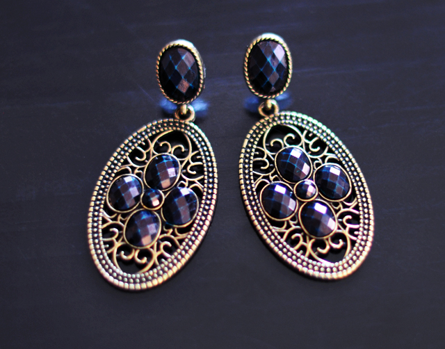 DIY earrings+changing the gemstone color on jewelry