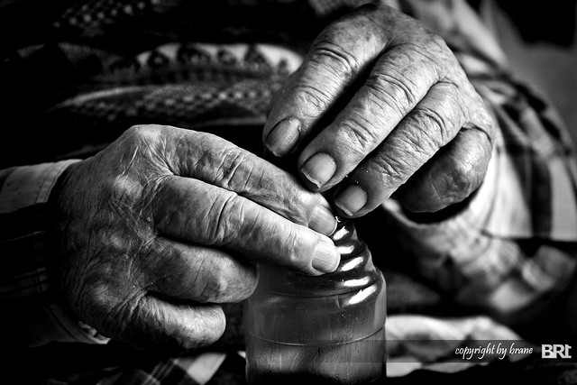 old_man's_hands