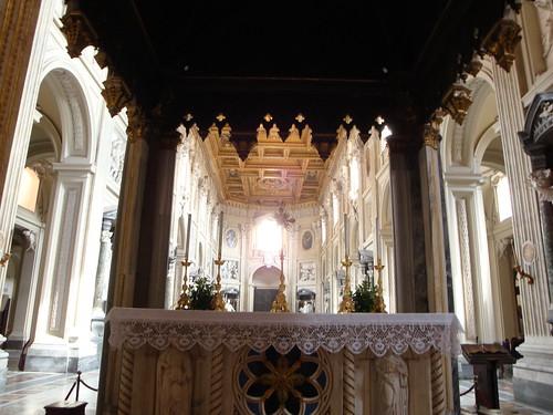 Altar visto desde detrás