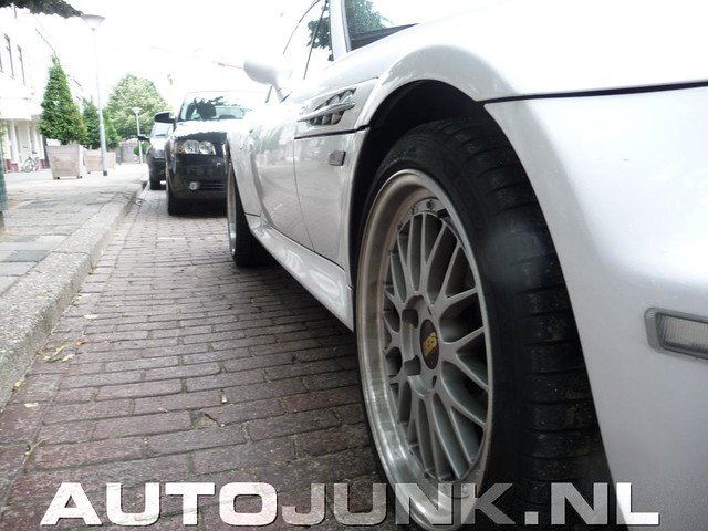 S54B32 M Coupe | Alpine White | Gray/Black