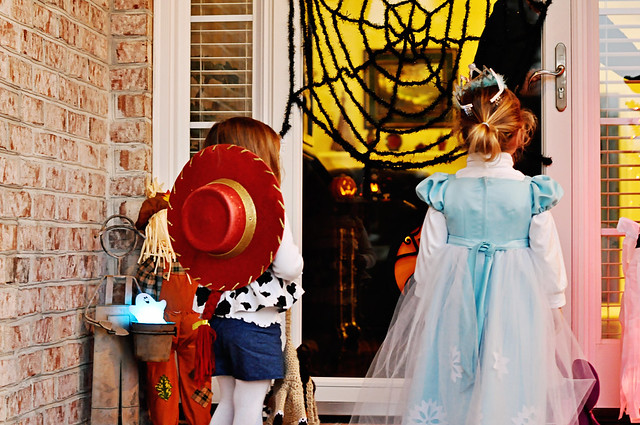 halloween 2011 emma khloe sells