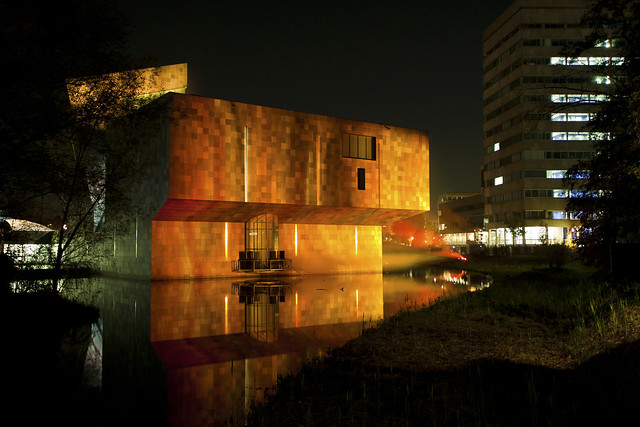 glow van abbe museum projection