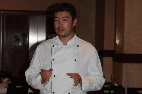 Nuestro chef experto en Asia Central, Eli