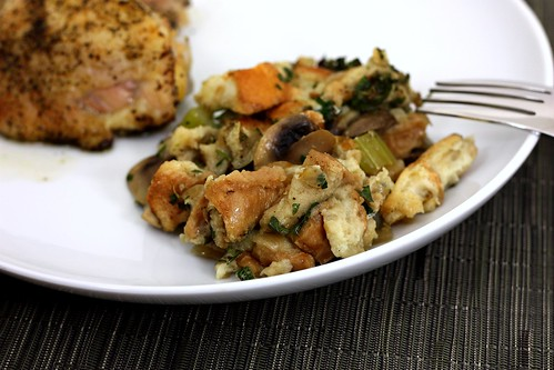Herbed Bread Stuffing – Elly Says Opa!
