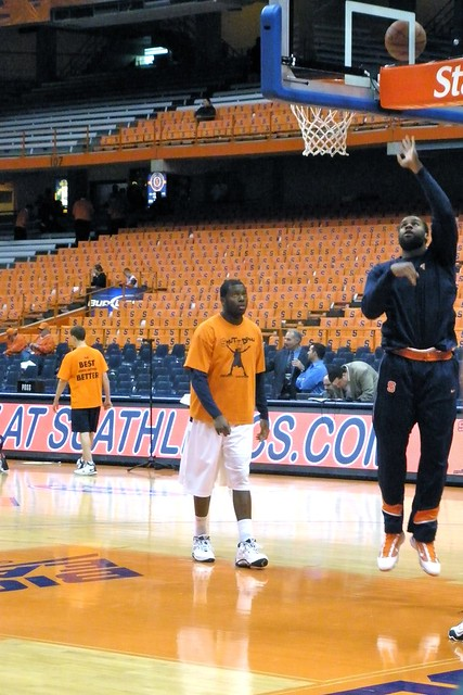 Arinze Onuaku during warmups