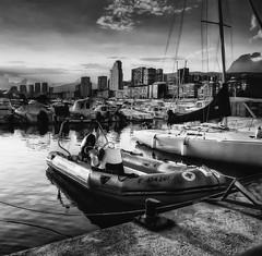 El Puerto - Benidorm (J.Romeu) Tags: blancoynegro luz atardecer libertad mar agua playa bn arena vida otoo bao libre hdr poniente benidorm energia levante