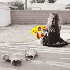 . RIGHT HERE WAITING FOR YOU . (* Ana.Guerrero *) Tags: summer 35mm boots sunflowers 28 d700 tutuskirt