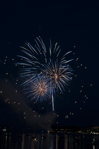11-FireworksRedBank-5665