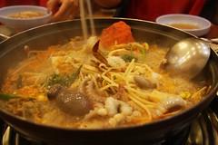 海鮮鍋に生のタコ~ / Korean food