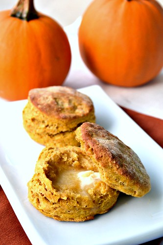 Fluffy Vegan Pumpkin Biscuits