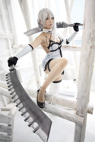 how to change costumes in nier
