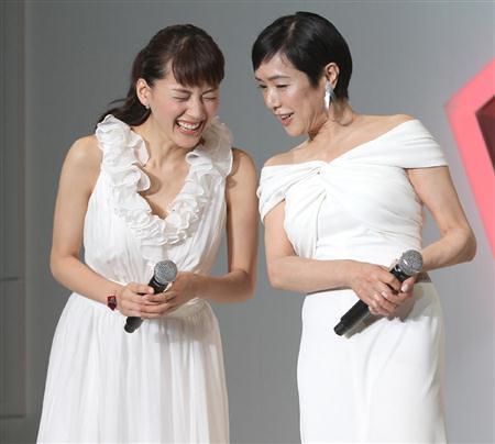 20111017_ayaseharuka_momoikaori_sk-ii-7