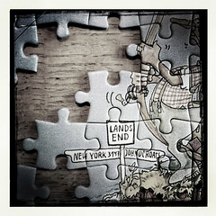 Land's End (-j-o-s-e-) Tags: sign post cartoon puzzle landsend jigsaw signpost iphone hipstamatic