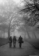 Friends (Hadi Al-Sinan Photography) Tags: park friends bw test canon photo blackwhite interesting shot mark leeds foggy exhibition best explore hyde ii 5d 15th hadi 2470 qatif alsinan alssinan