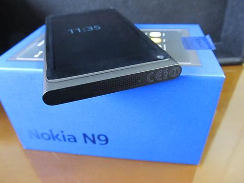 NOKIA N9 02