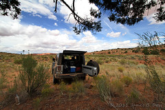 Lunch Break (W9JIM) Tags: jeep w9jim jk wrangler 10mm grandstaircaseescalante efs1022mm holeintherockroad