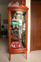 where i keep my favourite bags (girl enchanted) Tags: bag gucci collections bags speedy hermes tods dior collectibles lv louisvuitton bally christiandior inmybedroom karenmillen loewe vernis luluguinness multicolore