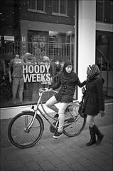 Hoody Weeks (Rense Haveman) Tags: street bw uw arnhem ultrawide straat pentaxk5
