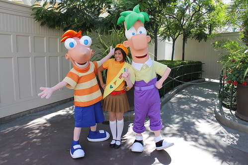 Weekend disneyland resort character update october 29 2011 sure enough they were offering a meet and greet with phineas ferb and a fireside girl in lieu of that performance the three met in the park where the m4hsunfo