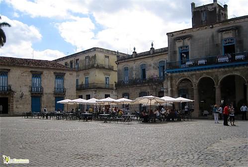 restaurant - cathedral plaza - havana vieja - cuba