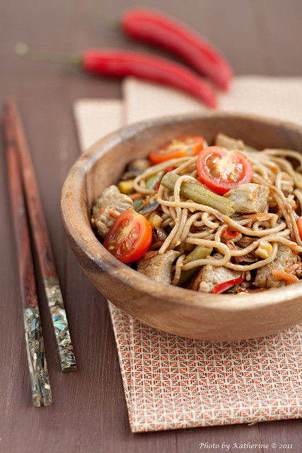 Soba with beef and vegetables 1