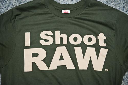 I SHOOT RAW - OD GREEN