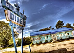 Blue Star Diner (Ken Yuel) Tags: virginia unitedstates diners cafes newportnews qualityfood bluestardiner fadingamerica roadsideeateries digitalagent kenyuel closeddiners stoolscafestools